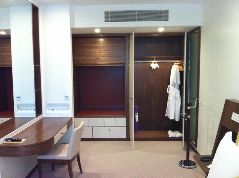METROPOLITAN HOTEL, PARK LANE