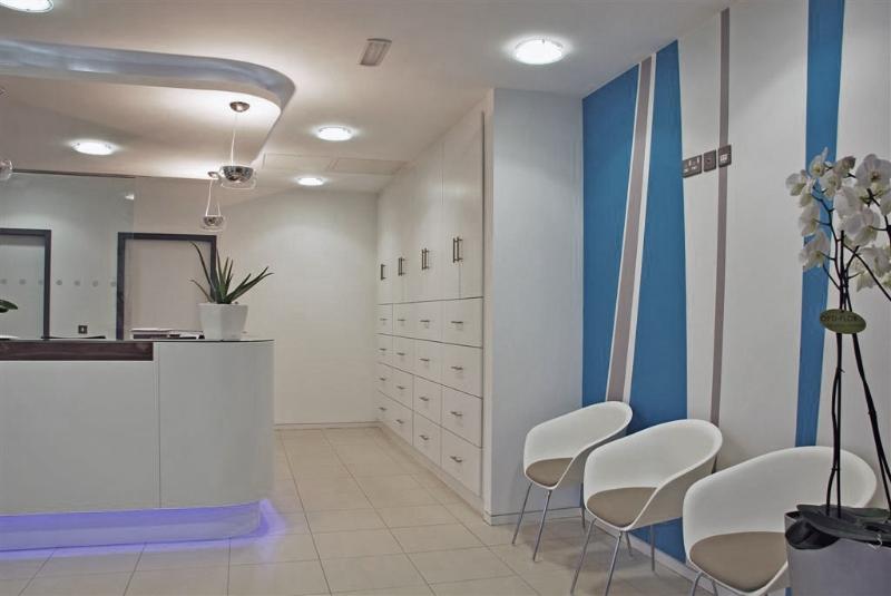 clinic-reception